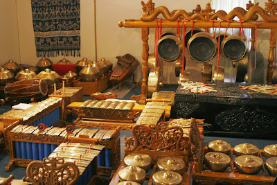 Alat musik tradisional indoneisa dari jawa