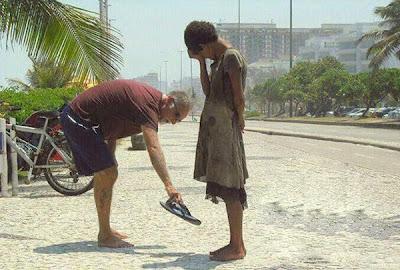 صور ستلامس قلبك .. وتجعلك تقف احتراما لأصحابها humanity16.jpg