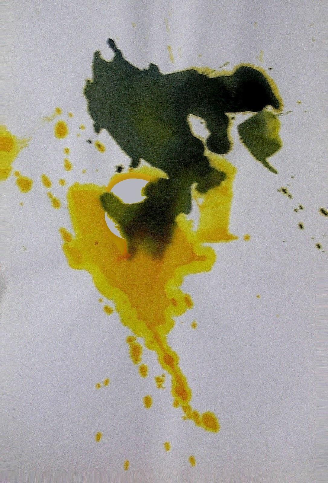 Ocre amarillo y negro.