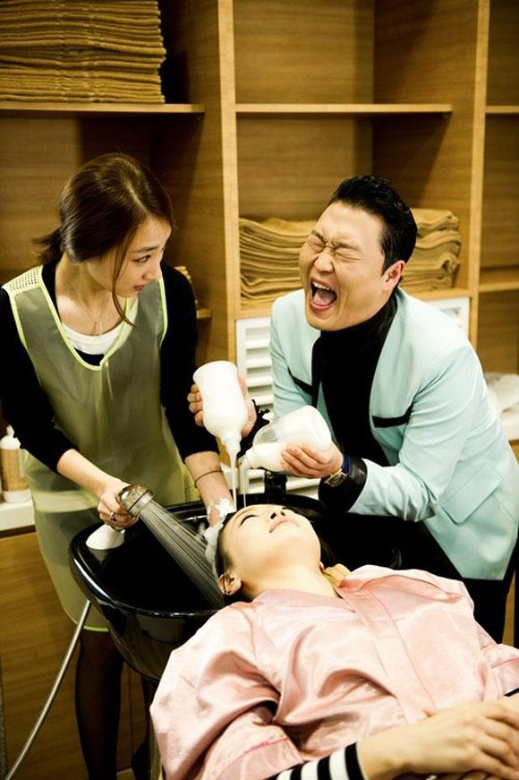 Bật mí hình ảnh bị cắt trong MV Gentleman Psy