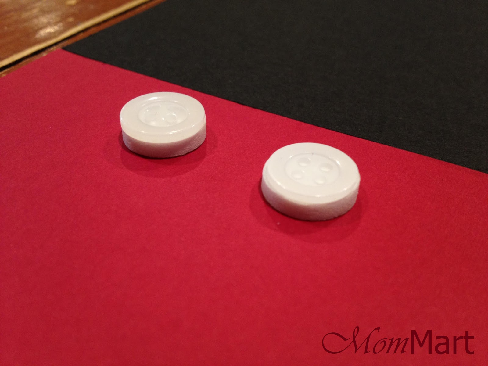 How to make Mickey Mouse Invitations.