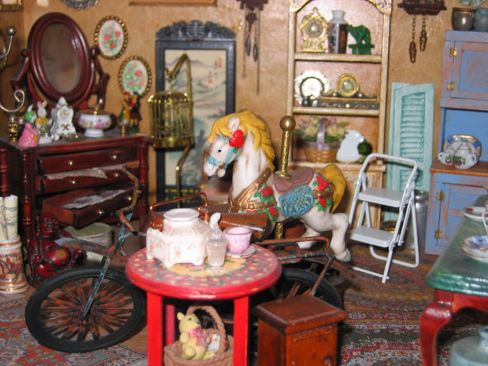 dollhouse antique shop