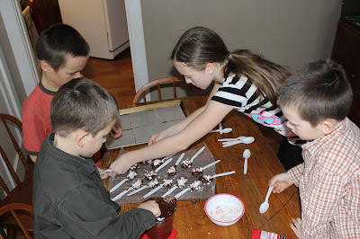 Hot Chocolate Stir Sticks-This is a simple and inexpensive gift for kids to make Sunday School teachers, day care workers, or neighborhood friends.