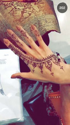Last Super cool mehndi designs inspired by summer motifs