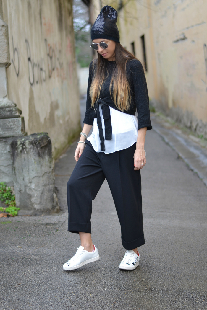 outfit pantaloni cropped