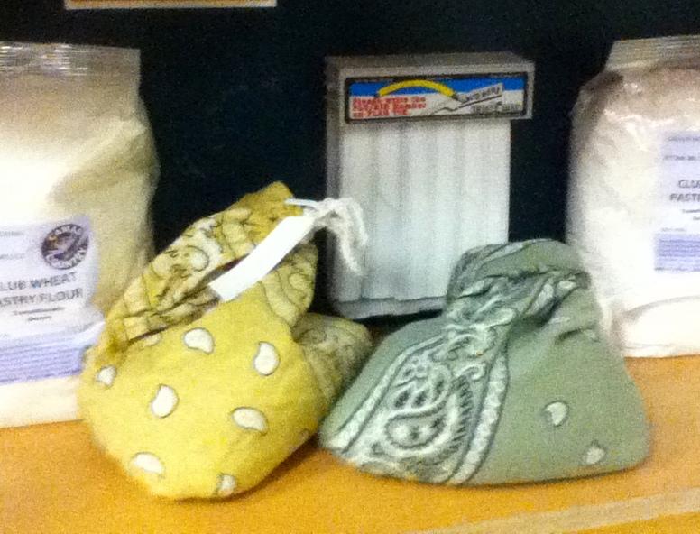 http://2.bp.blogspot.com/-P7kuoKTg6o4/UYPgKaYRWnI/AAAAAAAABjw/uHyL5O_Fr_0/s1600/happy+sacks.jpg
