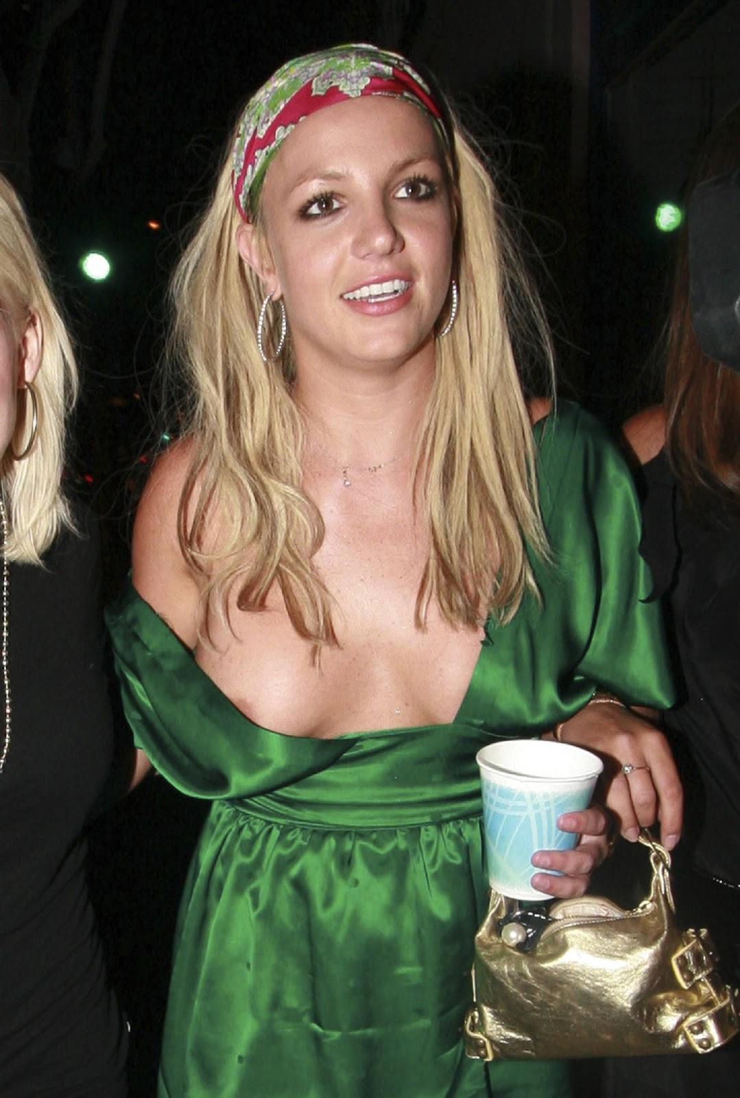 http://2.bp.blogspot.com/-P7nW6FIhyB8/TzTlXgghq2I/AAAAAAAABFM/5hMbevqoU0E/s1600/britney+spears+sexy+dress.jpg