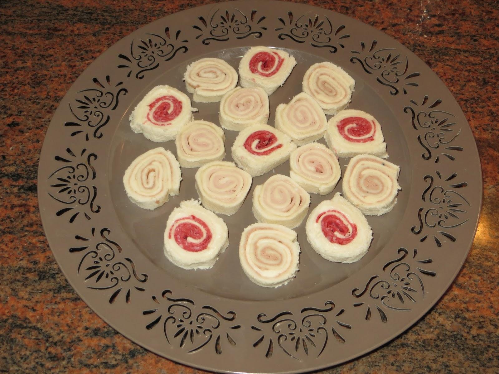 La cuchara en la maleta canap s de pan de s ndwich for Canapes faciles y economicos