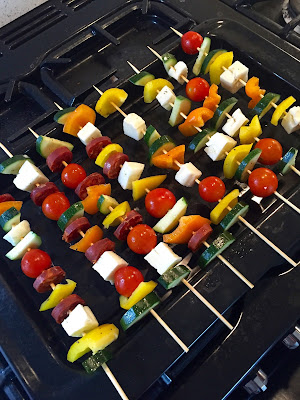 vegetable kebabs, courgette, halloumi, pepper, tomatoes, food blogger, health blogger, healthy student food ideas, student recipes, healthy easy food, easy food ideas,