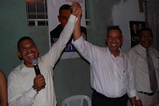 Dirigentes del PLD en la Caleta se unen a Hipólito Mejía