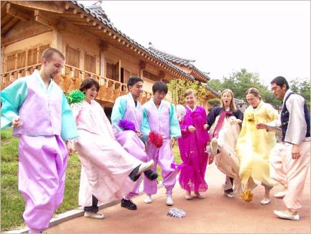 Sumber : http://sinopsisdramakorea.wordpress.com/2011/11/02/budaya