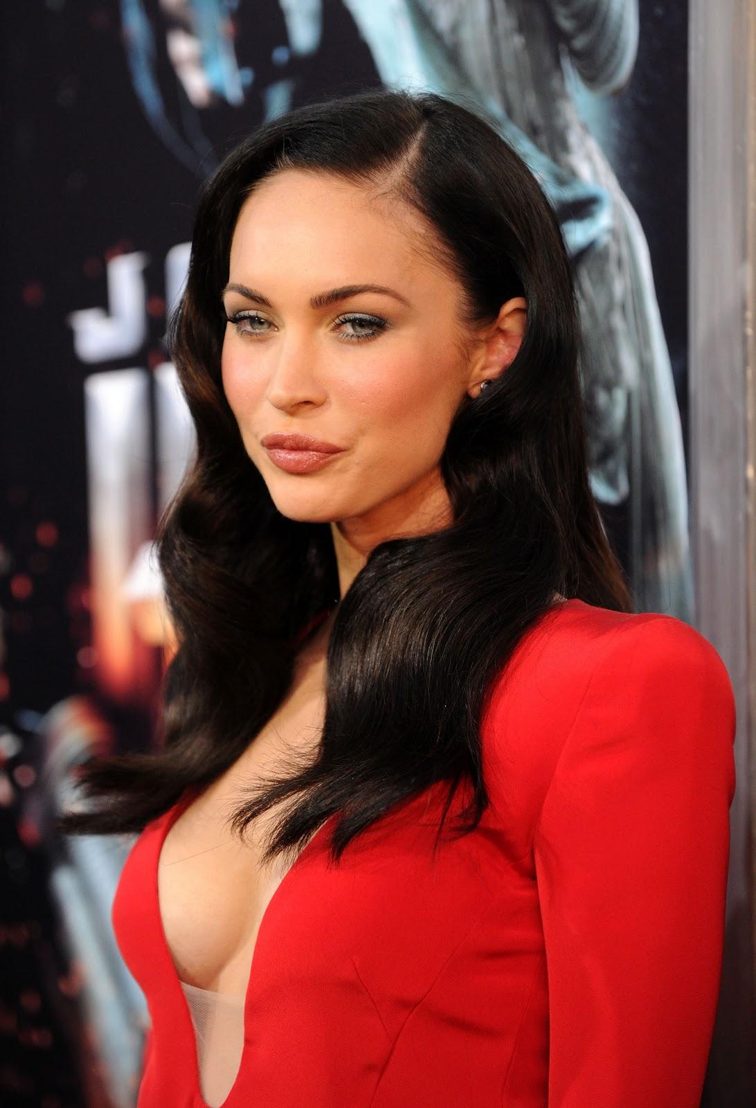 http://2.bp.blogspot.com/-P8D7CbB0ujk/Typ8fKjgB1I/AAAAAAAABPo/xzLU7--6H18/s1600/Megan_Fox_Jonah_Hex_Premiere----www.malluclips.net+%283%29.jpg