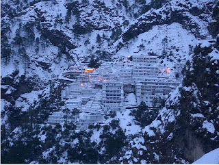 Pahada wali mata images,mata vaishno devi is situated on mountain of katra city