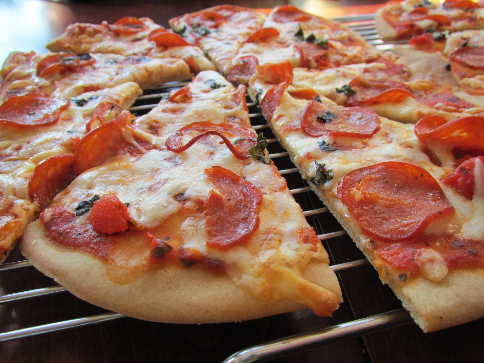 how to make thin crispy pizza crust