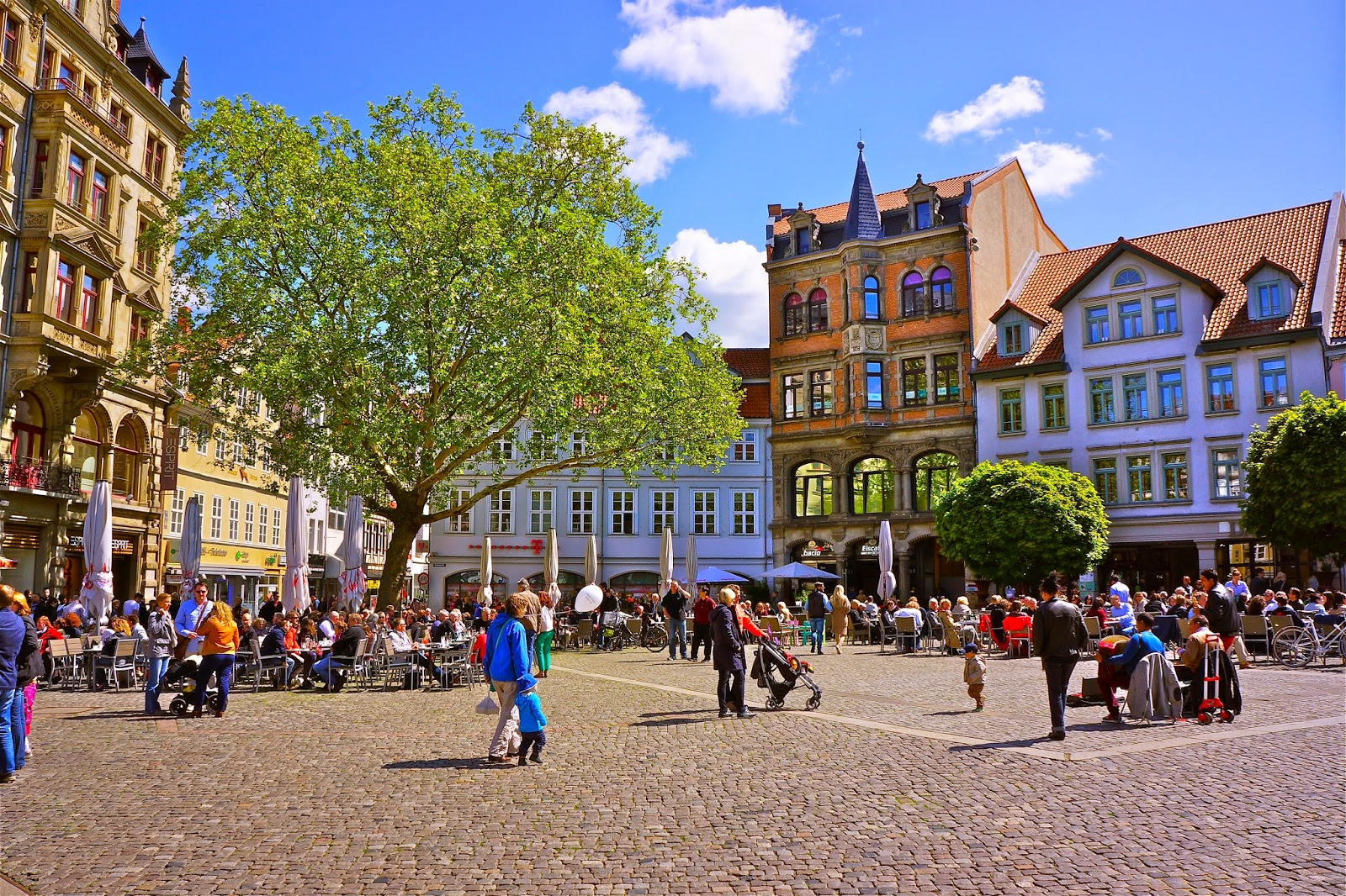 Picture of the Kohlmarkt in Braunschweig, Germany.