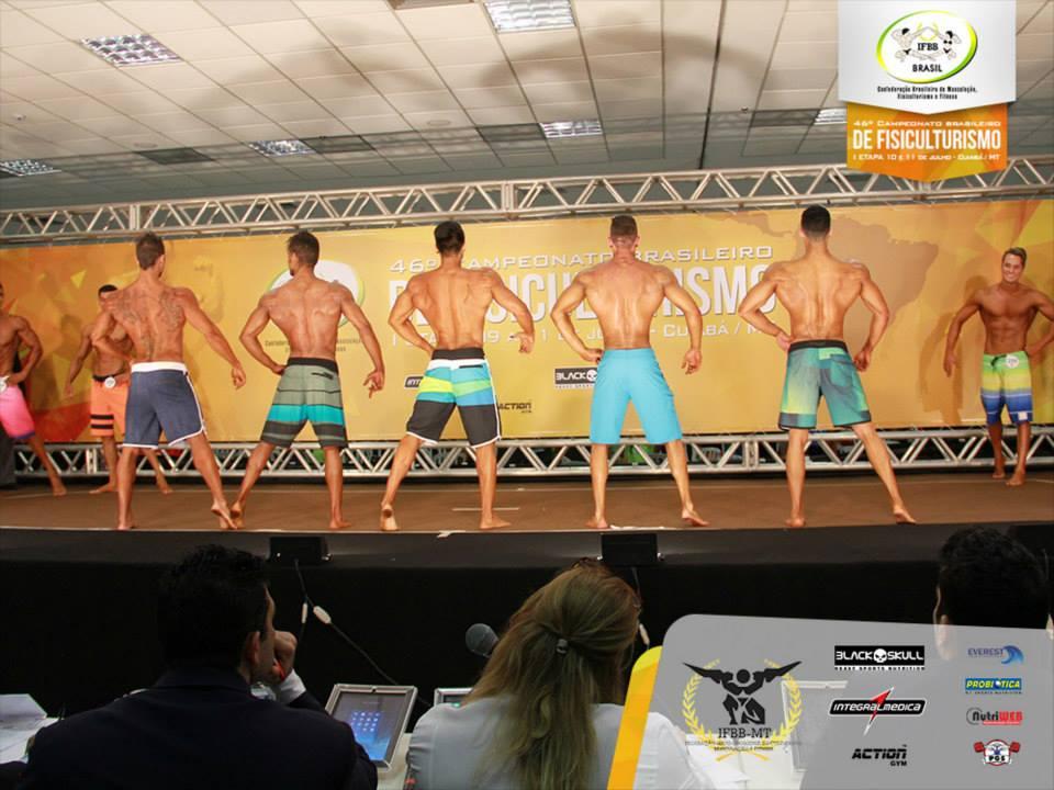 """""""Não planejava ir pro Brasileiro, mas resolvi ir na cara e na coragem"""", disse. Foto: IFBB Brasil"""