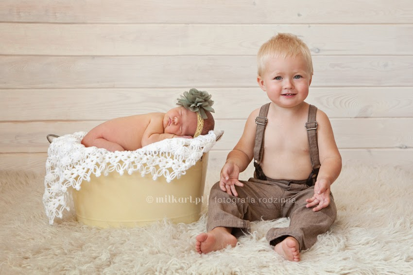 fotografia rodzinna, zdjęcia niemowlaków, sesja zdjęciowa na chrzciny, fotografie dziecięce, studio fotograficzne Poznań