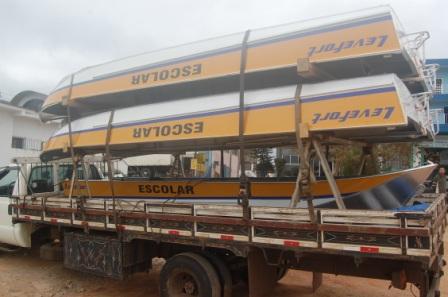 Juquiá renova a frota de barcos para o transporte escolar