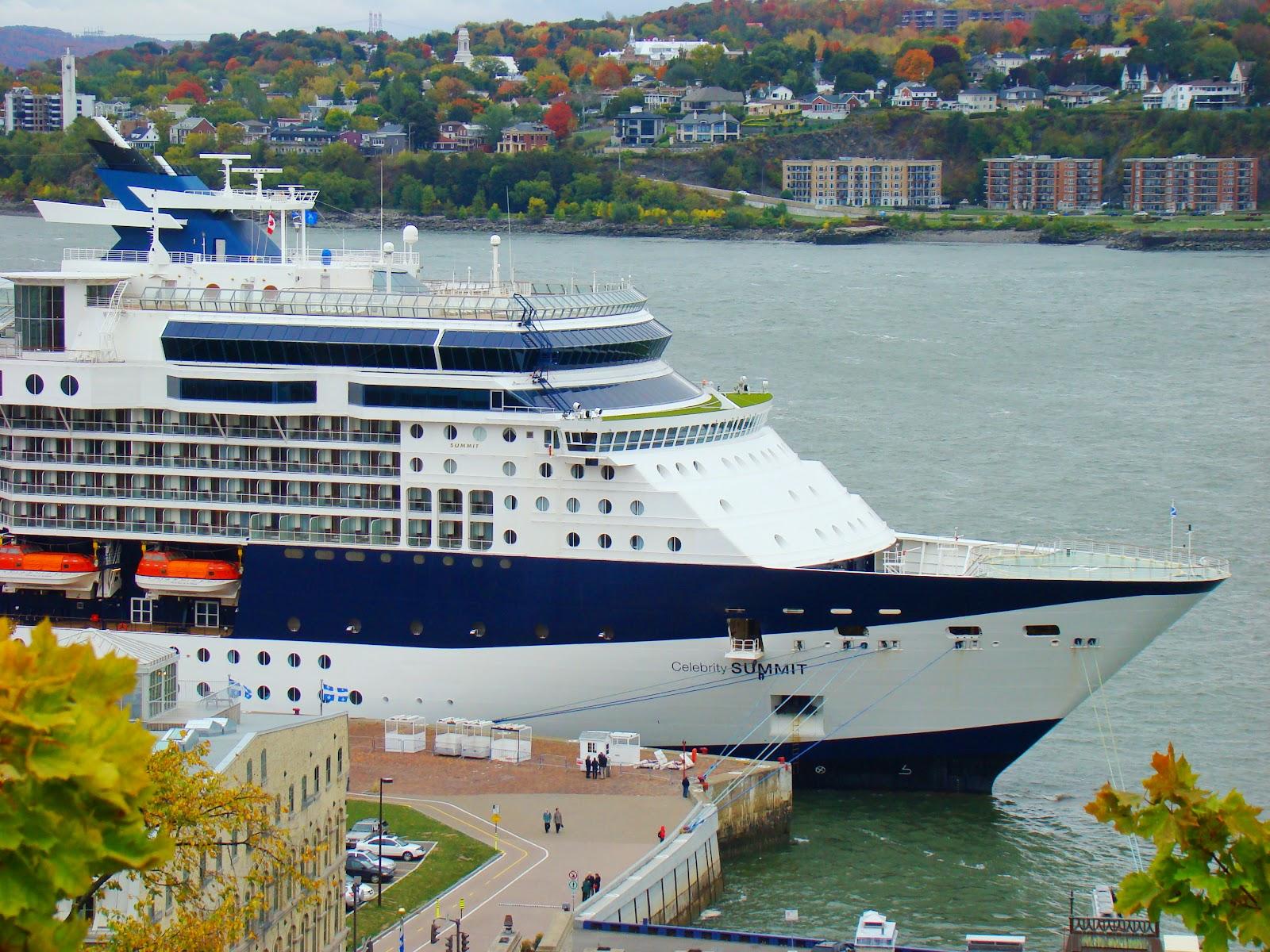 Порт города является третьим в стране по тоннажу. А так же с этого порта уходит в плаванье множество круизных лайнеров.