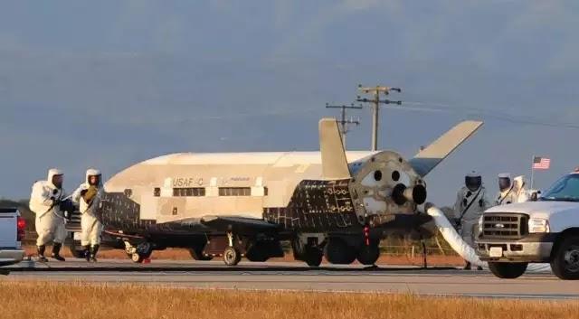 Το X-37B διαστημικό λεωφορείο επιστρέφει στη Γη μετά από 678 ημέρες σε μυστική στο διάστημα!