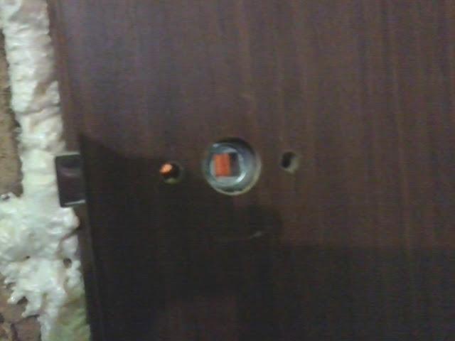 Установка защёлки на дверь