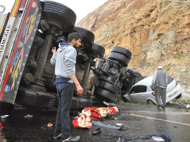 şanlıurfada 13 kişinin öldüğü trafik kazası