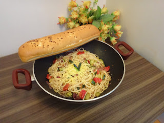 Spaghetti with Zucchini and Cherry Tomatoes