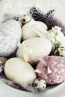 Ovos de Páscoa decorados com crochê
