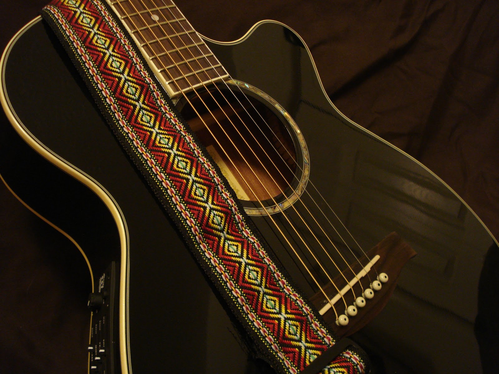 domestically modern: michelle's musings: diy overhaul guitar strap