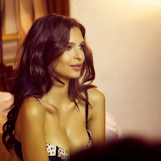 Emily Ratajkowski sexy bra and panties Instagram Pics