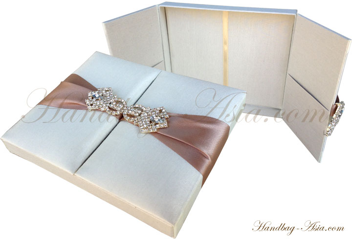Wedding invitation boxes silk invitation couture for Wedding invitation mailing boxes