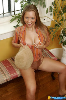 Naughty Lady - rs-Warming_Up_dawsonmiller_safari_girl_011-704783.jpg