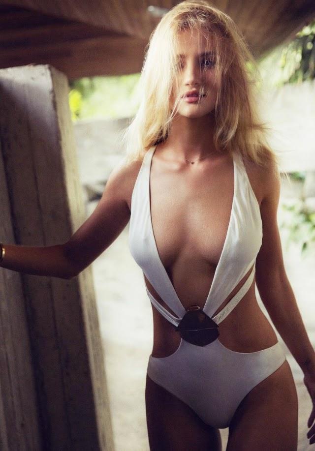 Sexy Rosie Huntington-Whiteley en la revista Esquire UK