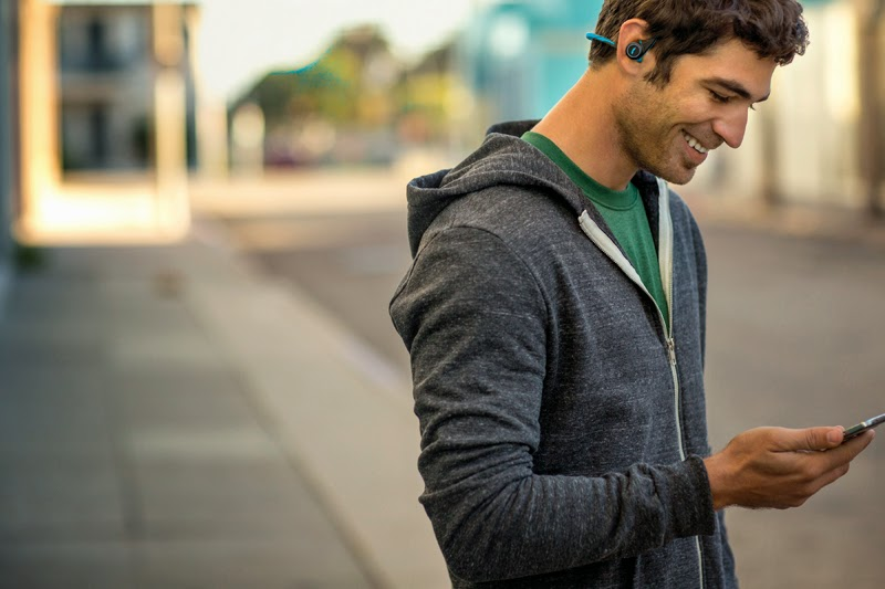 auricular Bluetooth Plantronics Backbeat Fit