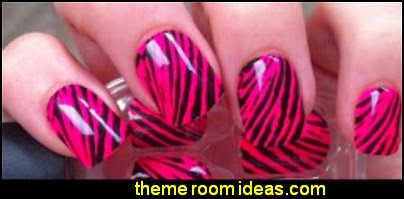Press-On Manicure 24 Artificial Nails - animal print nail design
