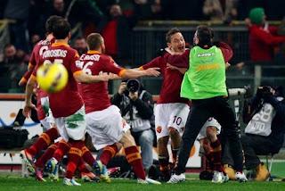 inovLy media : Sengit, Roma Tundukkan Juve Lewat Gol Tunggal Totti