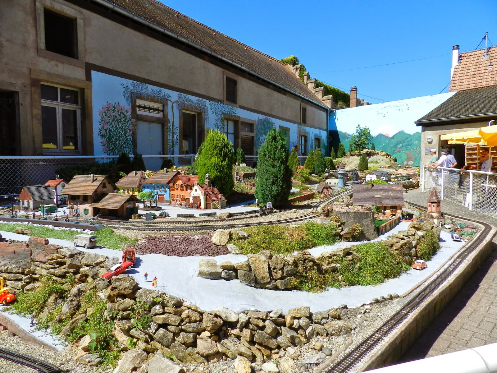 Franzitrains mod lisme et trains reels le train de jardin for Jardin ferroviaire