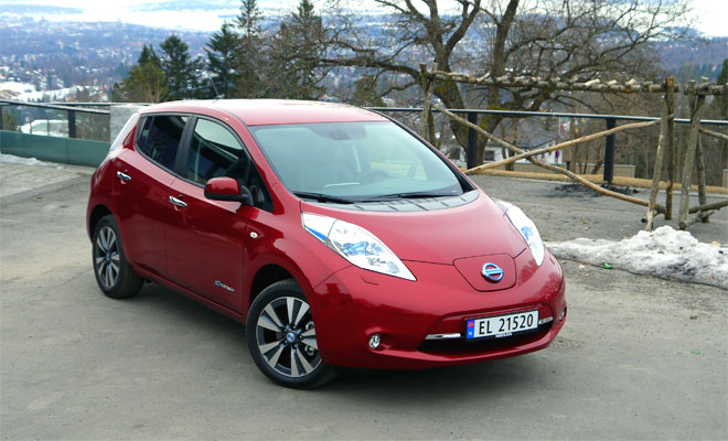 2013 Nissan Leaf front view
