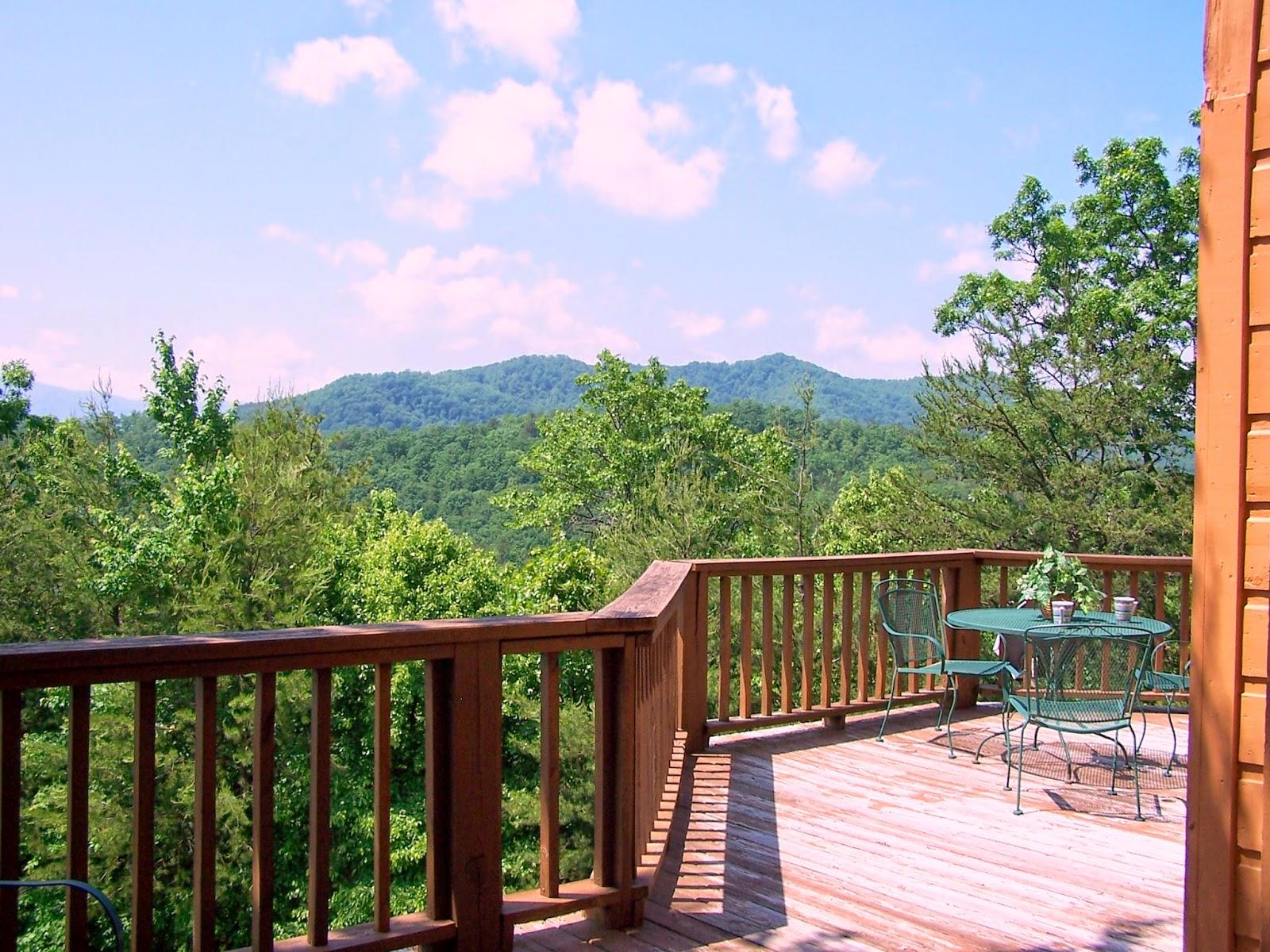 Heavenly cabins smoky mountain cabin rentals smoky for Smoky mountain cabins with fishing ponds