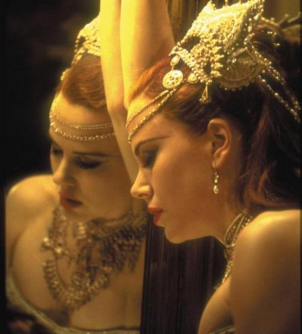 an analysis of the 2001 film moulin rouge Perhaps the best known legacy of the moulin rogue is the can-can  moulin rouge, the 1953 john huston film with jose ferrer,  ++++ jan's analysis.
