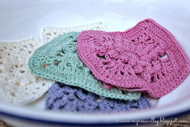 Crocheting Squares : My Rose Valley: Lacy crochet squares