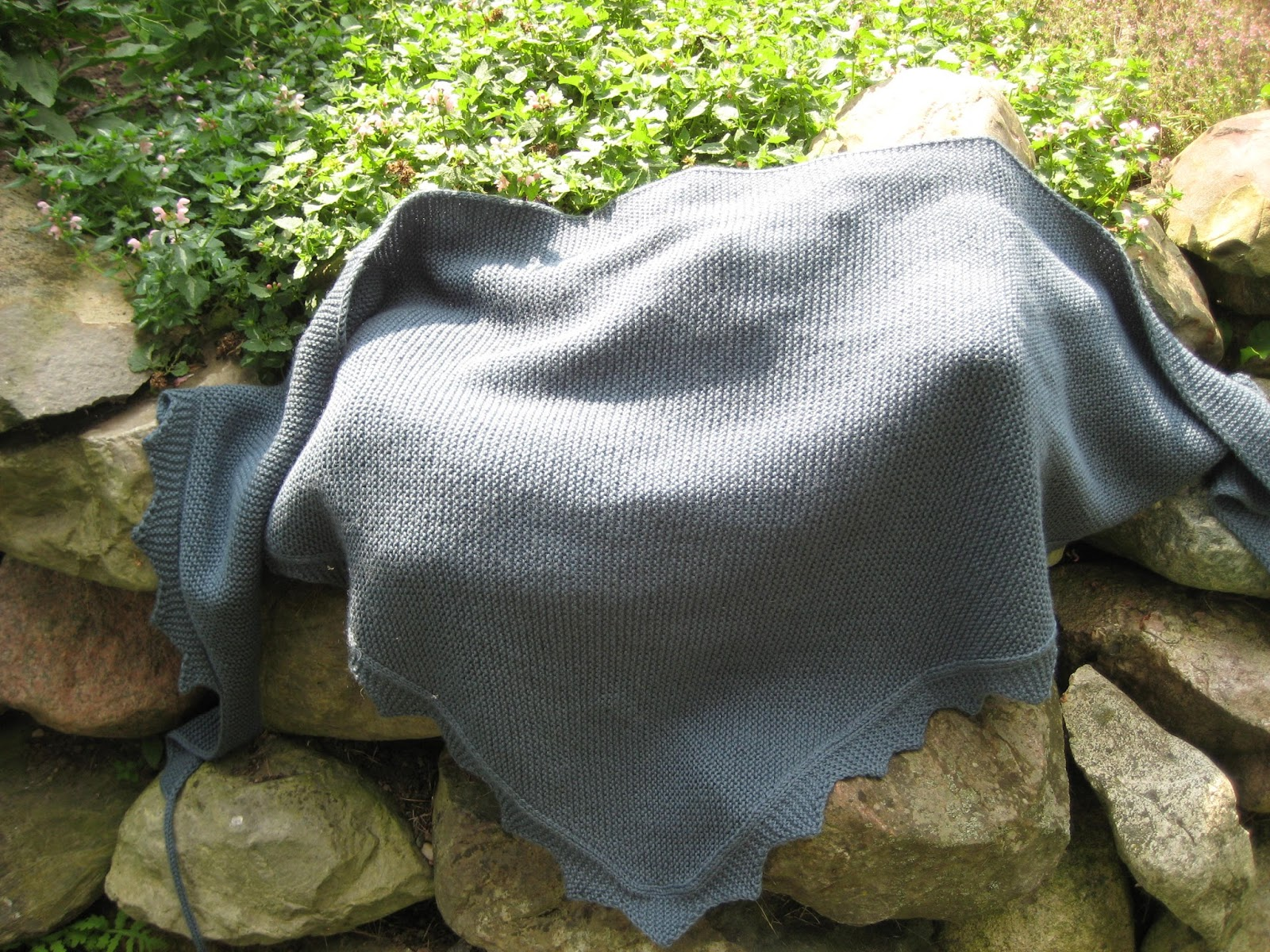 Jane Austen Knitting Patterns : A Sensible Shawl - Jane Austen Knits