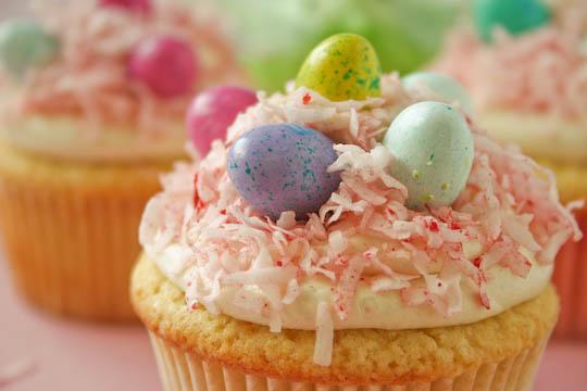 One Bowl Vanilla Cupcakes