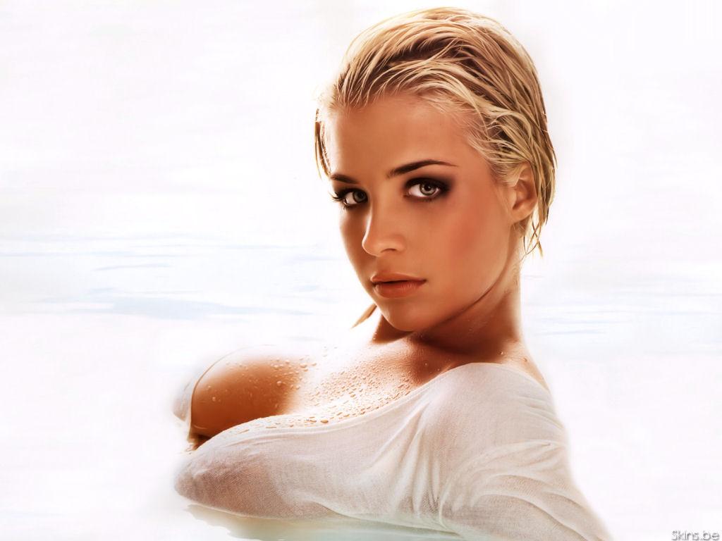 http://2.bp.blogspot.com/-PCUZDfr5lHw/Tmns_4U-vaI/AAAAAAAAAXY/gnfv40sIH4k/s1600/Gemma+Atkinson+picture+%252822%2529.jpg