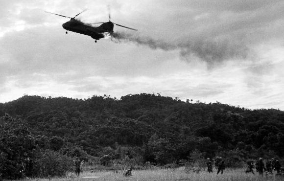 Helikopter CH-64 Sea Knight AS jatuh di Vietnam