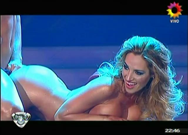 Nude bailando newberg o