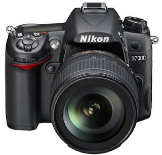Nikon D7000 christmas deals-with-18-200mm-lens