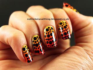 polka-dot-nails