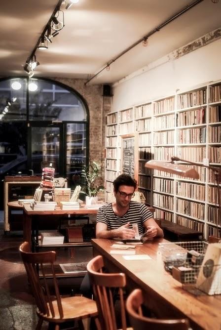 decorar rincon de lectura negocio tienda de libros vintage
