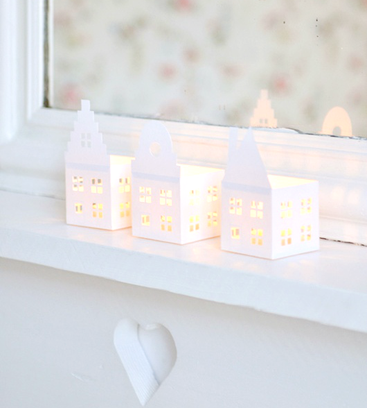 DIY Holiday Lanterns